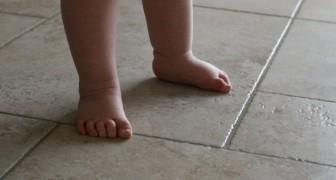 Ecco perché gli esperti raccomandano di far stare i bambini scalzi il più a lungo possibile