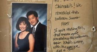 Un couple refait sa salle de bain : pendant les travaux, ils trouvent un message laissé par les anciens locataires.