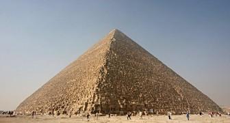 La Grande Piramide di Giza accumula energia elettromagnetica all'interno delle sue camere