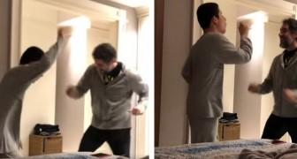 Le père se déchaîne dans une danse avec son fils autiste : aucun parent ne pourra retenir son émotion.