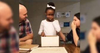 Quando vedrete la reazione della bambina alla scoperta di adozione sarà impossibile fermare le lacrime