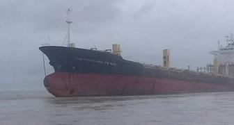 Ein riesiges Phantom Schiff taucht nach 10 Jahren wieder auf ... und die Fischer sind erschrocken