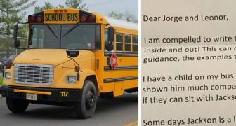 L'autista dello scuolabus invia una Segnalazione ai genitori di 2 bambini... ma le sue parole li renderanno orgogliosi