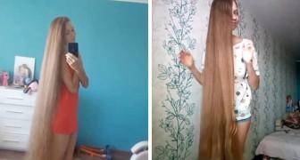 Non taglia i capelli dal 2003: la lunghissima chioma di questa ragazza russa è assolutamente imperdibile