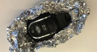 Experts raden aan om je autosleutels in aluminiumfolie te wikkelen. Waarom dan?