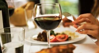 Een glas wijn drinken voor je gaat slapen helpt om af te vallen: dat zegt de wetenschap!