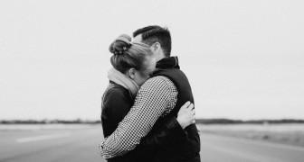 L'abbraccio è la più bella forma di comunicazione: non dobbiamo avere paura di darne e di chiederne di più