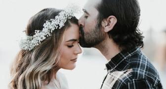 Il bacio sulla fronte è molto più di un gesto d'affetto: ecco quali effetti provoca in chi lo riceve