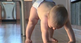 Secondo il metodo Montessori il cambio del pannolino va fatto con il bambino in piedi, ecco perchè
