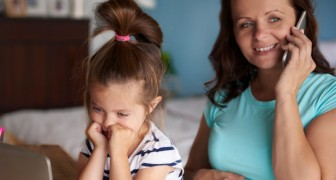 Odio il cellulare di mia madre: il tema di una bambina che tutti i genitori dovrebbero leggere