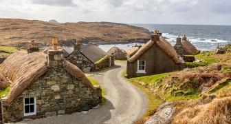 Gearrannan: il villaggio scozzese abbandonato, oggi adibito ad alloggi per turisti avventurosi