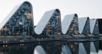 In Danimarca sono stati inaugurati gli appartamenti a onde: rispettano il paesaggio e l'identità culturale