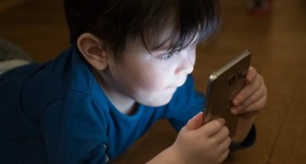 For children --- No smartphones before 10 years of age, pediatricians say
