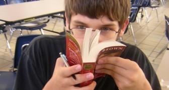 Perché ci piace così tanto l'odore dei libri? Esiste una spiegazione chimica