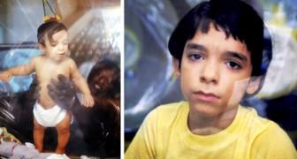 La storia del piccolo David Vetter, il bambino vissuto 12 anni in una bolla, che scioccò il mondo