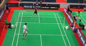 La Straordinaria Agilità Del Giocatore Di Badminton
