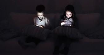 Sappiamo che troppo tempo davanti agli schermi causa gravi danni ai bambini, ma ecco COME rimediare