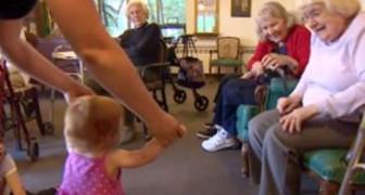 Un hogar de ancianos abre las puertas a los niños del orfanato: el experimento de convivencia es un suceso
