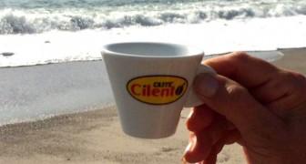 Un caffè gratis in cambio di una busta di rifiuti: l'iniziativa di una spiaggia del Cilento merita un applauso