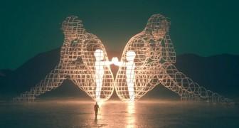 Love: l'imponente scultura che ci mette di fronte al nostro bambino interiore