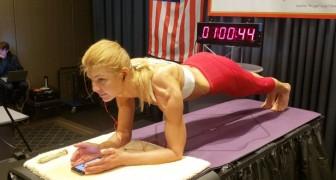 Une Canadienne a battu le record du monde de la planche en restant en position pendant 4 heures et 20 minutes