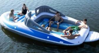 Amazon hat ein lebensgroßes Motorboot zum Verkauf angeboten, das sich in 20 Minuten aufbläst