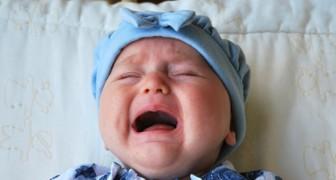 Ecco i 7 peggiori consigli che potranno darti sul tuo neonato: non fare mai queste cose!