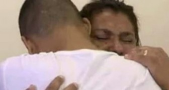 Whatsapp stops working and a son gets the chance to meet his mother again who lives in the same house!