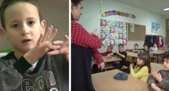 Um dos alunos é surdo: todos os colegas aprendem a linguagem de sinais para que ele não se sinta excluído