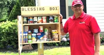 Deze man bouwde een voorraadkast in zijn tuin om voedsel te geven aan mensen die het nodig hebben