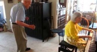 De schoonheid van samen plezier maken, na 56 jaar huwelijk