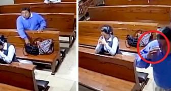 Een man steelt een mobiele telefoon in de kerk... en verlaat de kerk door een kruisje te slaan