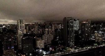 A San Paolo in Brasile è notte di giorno: il cielo si oscura per gli incendi in Amazzonia
