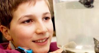 Deze man ontdekt een manier om micro-plastics op zee te vangen en wint een internationale prijs