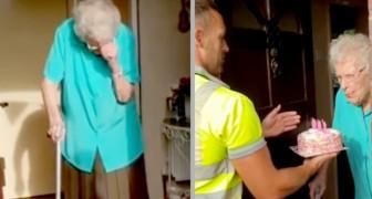 Ze wordt 100 jaar en woont alleen: vuilnismannen verrassen haar met een verjaardagstaart