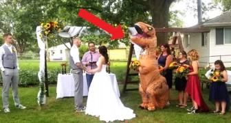 Este dama de honra se apresentou no casamento da irmã vestida de T-Rex