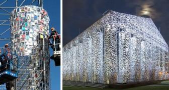 Questa donna ha costruito una replica del Partenone con 100mila libri censurati dalle dittature