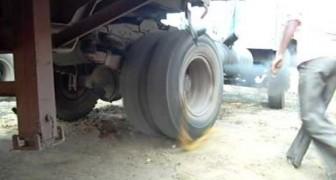 No lograban explicar que cosa fuese aquella cuerda alrededor de la rueda, pero luego...