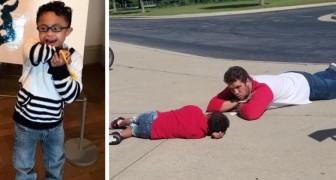 Questo bambino autistico ha una crisi mentre aspetta il bus: l'assistente lo calma sdraiandosi a terra con lui
