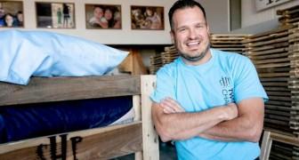 Quest'uomo generoso ha lasciato il suo lavoro per costruire letti per i bambini più bisognosi
