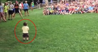 This boy controls a crowd of hundreds of people at just 15 months of age