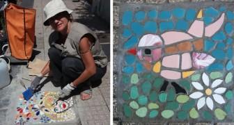 A Messina c'è una donna che realizza mosaici colorati per tappare le buche della città