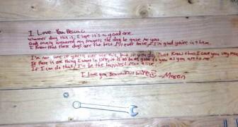 Depois da morte de seu marido, esta mulher encontra por acaso uma mensagem sua cheia de amor