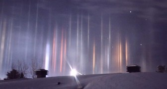 Kanada, die Lichtsäulen erhellen den Nachthimmel: das faszinierende Phänomen, das von einem Jungen verewigt wurde