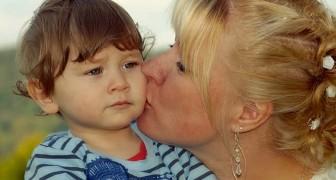 Non dovremmo mai obbligare un bambino a baciare o abbracciare un parente, raccomandano gli esperti