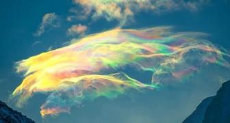 Deze Russische fotografe weet het zeldzame en prachtige fenomeen van iriserende wolken vast te leggen