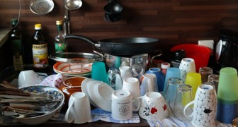 Lavar a louça pode ajudar a reduzir o estresse e a se concentrar em si mesmo: é o que diz um estudo
