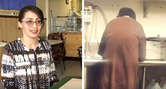 A proprietária desta cafeteria deu um emprego para um morador de rua que tinha entrado para pedir esmolas
