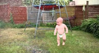 A child and the sprinkler for the first time, his reaction is priceless!