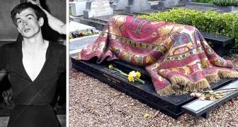 À Paris, la tombe du danseur Noureev semble être recouverte d'un tapis : c'est en fait une merveilleuse mosaïque